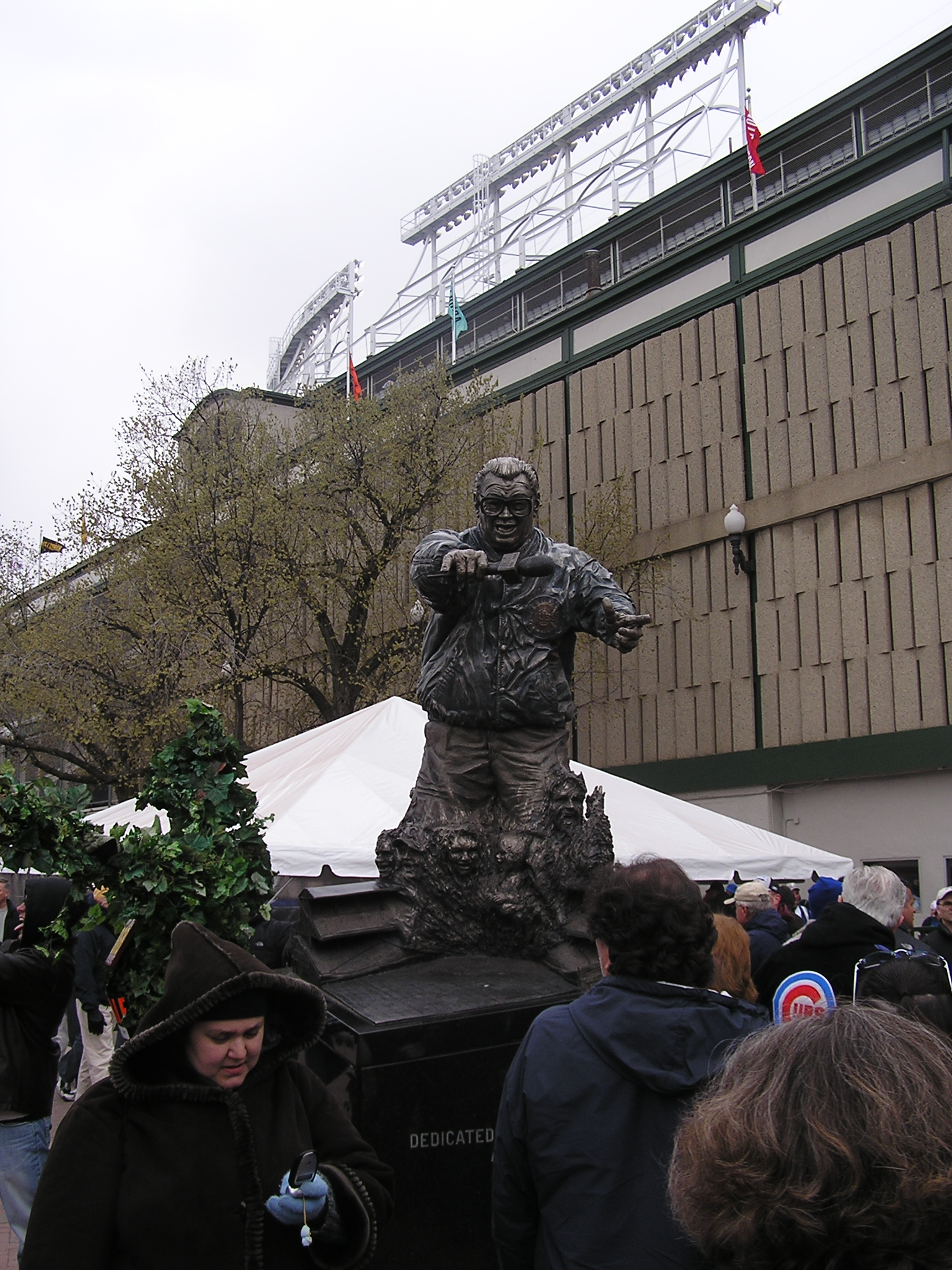 Harry Carry statue